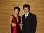 Vera Viel usa vestido sexy em baile de gala ao lado de Rodrigo Faro