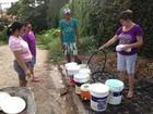 Moradores da Zona Leste de Teresina sofrem com a constante falta de água