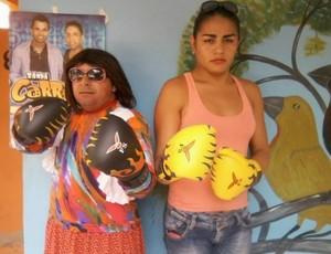 Fabíola Show e Michelly Portinelly disputam cinturão gay em Sena Madureira (Foto: Elvys Lennon/Arquivo Pessoal)
