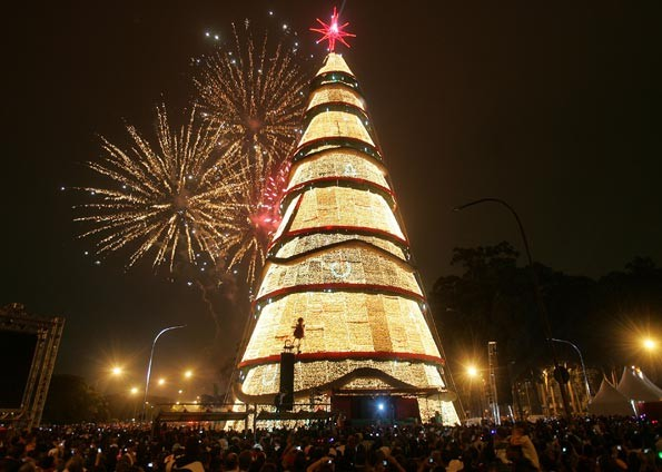 Árvore de Natal do Ibirapuera em 2009 (Foto: José Patrício/Agência Estado)