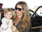 Filha de Gisele Bündchen é pura fofura em aeroporto