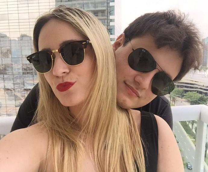 Isabela com o namorado, o empresário Rodrigo (Foto: Arquivo pessoal)