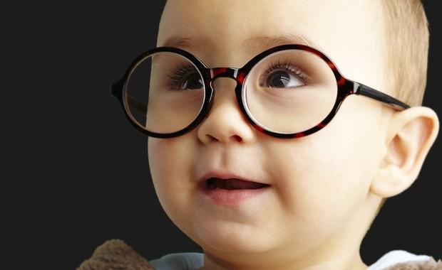 8d0dd0a844f1c Você sabia que a maioria dos problemas de visão poderia ser solucionada se  fosse detectada precocemente  Descubra os sinais que devem indicar que seu  filho ...