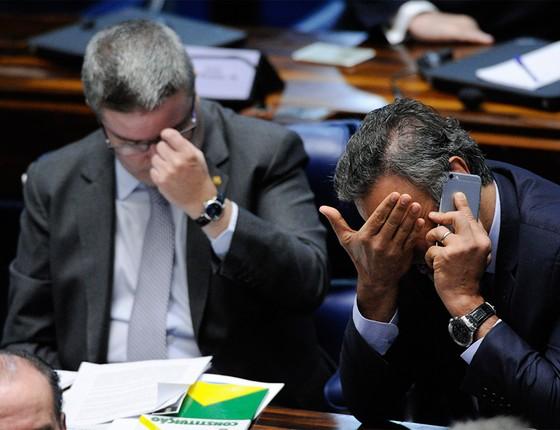 Senadores Antonio Anastasia (PSDB-MG) e Aécio Neves (PSDB-MG)  (Foto: Pedro França/Agência Senado)