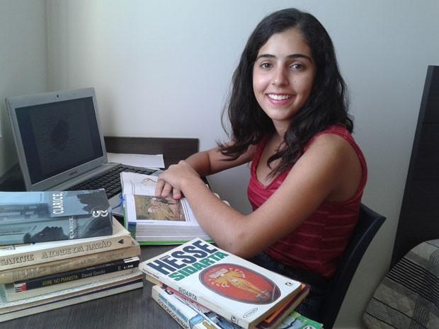 Isadora Santos Bittar, primeira colocada no PAS da UnB e aprovada nove vezes em medicina e quatro vezes em engenharia (Foto: Isadora Bittar/Arquivo pessoal)