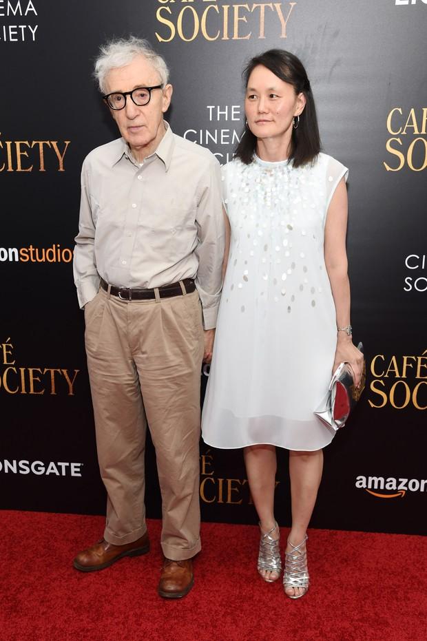 Woody Allen e Soon-Yi Previn em première de filme em Nova York, nos Estados Unidos (Foto: Jamie McCarthy/ Getty Images/ AFP)