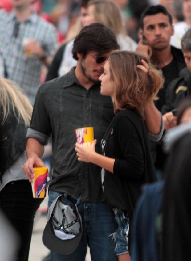 Bruno Gissoni e Marcela Fetter no Lollapalooza (Foto: Orlando Oliveira/Agnews)