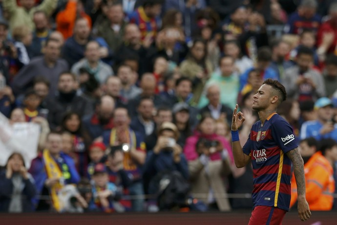 Neymar comemora gol no Espanyol, na última rodada da liga (Foto: Reuters)
