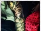 Depois de show, Justin Bieber faz nova tatuagem