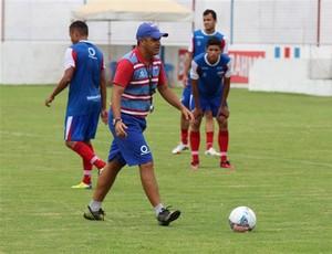 Marcelo Chamusca comanda treino no Pici (Foto: Divulgação/Fortaleza EC)