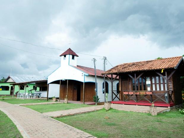 Comunidade ganhou boa estrutura e tem sistema de energia solar (Foto: Marina Souza/G1 AM)
