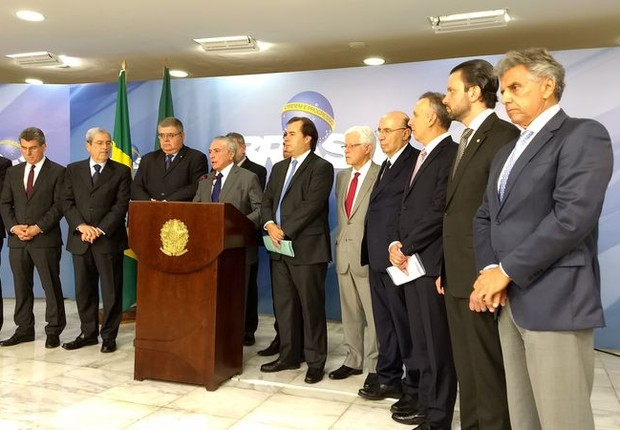 Michel Temer fez o anúncio ao lado de líderes no Congresso  (Foto: Valter Campanato/Agência Brasil)