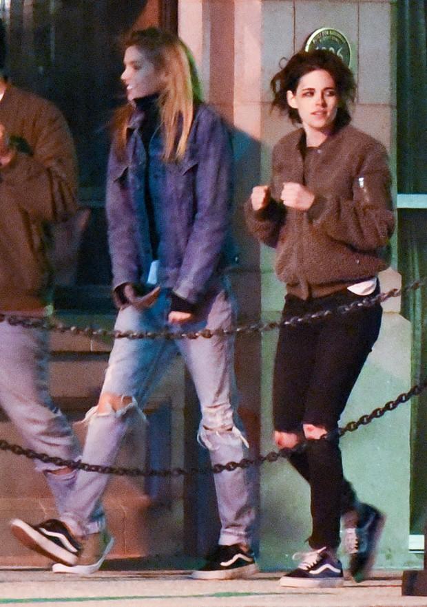 Stella Maxwell e Kristen Stewart  (Foto: The Grosby Group)