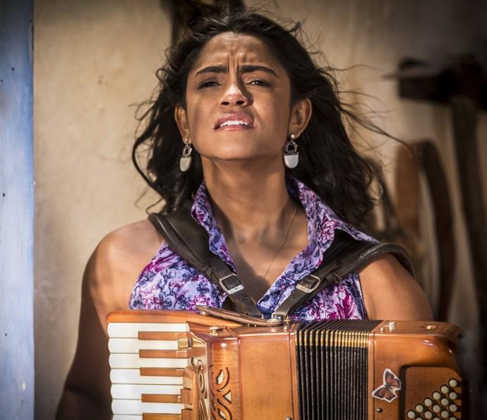 Luzia chora em desespero por Santo (Foto: Inácio Moraes/ Gshow)