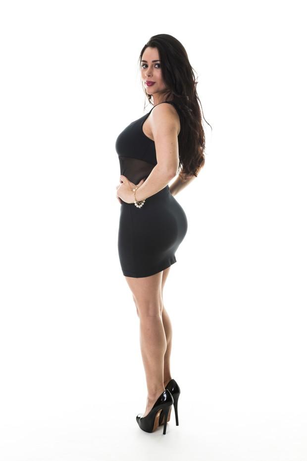 Quatro meses após dar à luz, Rebeka Francys posa para ensaio  (Foto: Gardini Photo Studio/Divulgação)