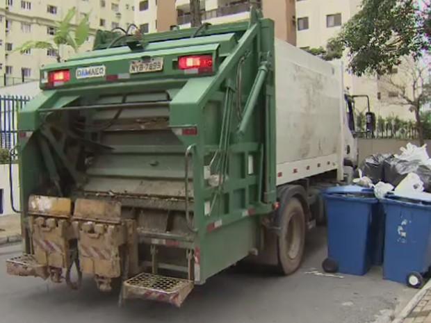 Prefeitura define nova empresa para realizar coleta de lixo em São José, SP (Foto: Reprodução/ TV Vanguarda)