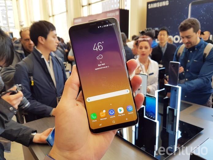 Tela enorme é o principal diferencial do novo Galaxy S8 (Foto: Thássius Veloso/TechTudo) (Foto: Tela enorme é o principal diferencial do novo Galaxy S8 (Foto: Thássius Veloso/TechTudo))