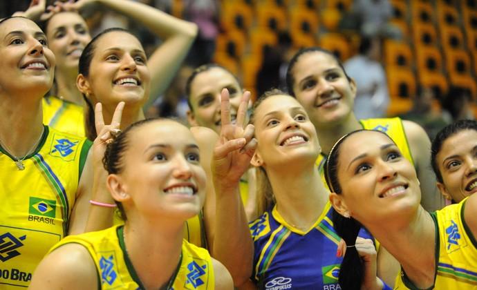 Seleção brasileira feminina vôlei Grand Prix (Foto: Divulgação/FIVB)