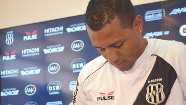 Ramirez é apresentado pela Ponte Preta (Foto: Heitor Esmeriz / Globoesporte.com)