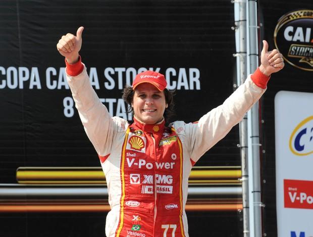 Valdeno Brito comemora a vitória na volta da Stock Car a Cascavel (Foto: Fernanda Freixosa / Stock Car)