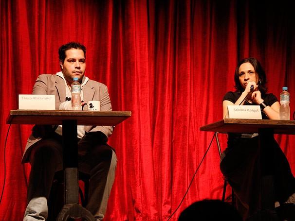 Tiago Abravanel e Sabrina Korgut falaram sobre os musicais a partir da visão dos atores (Foto: Nathalia Fernandes)