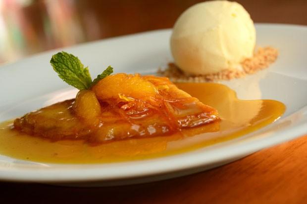 Crepe suzette: aprenda receita do doce flambado com laranja (Foto: Divulgação)