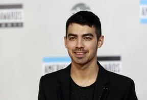 Joe Jonas no American Music Awards em Los Angeles, nos Estados Unidos (Foto: Reuters/ Agência)