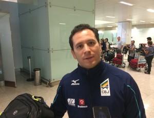 Tiago Camilo desembarcou em São Paulo (Foto: Guilherme Costa)
