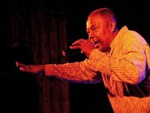 Lorenzo Thompson, de Chicago, se apresenta no festival em Poços (Foto: Assessoria de Imprensa)