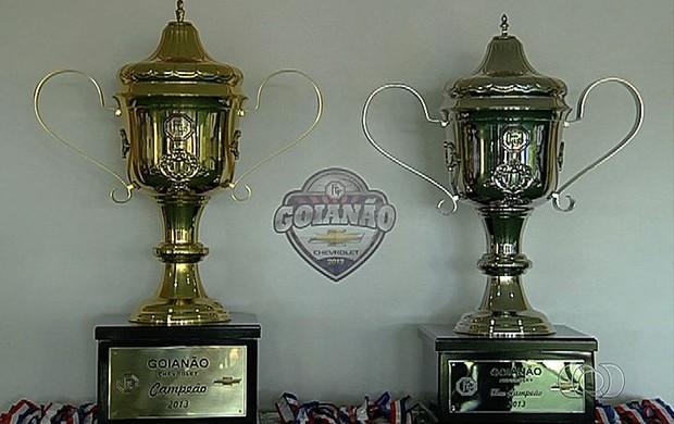Troféus do Campeonato Goiano 2013 (Foto: TV Anhanguera/reprodução)