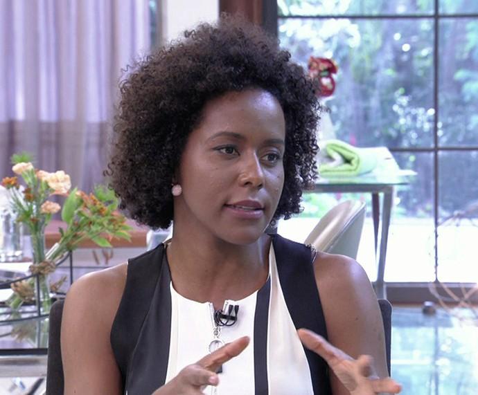 Maju explica os fenômenos do tempo no 'Mais Você' (Foto: TV Globo)