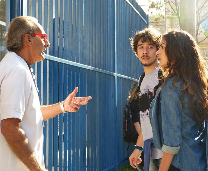 Luciana alerta Idelfonso sobre a confusão (Foto: Janaina Ornellas/Gshow)
