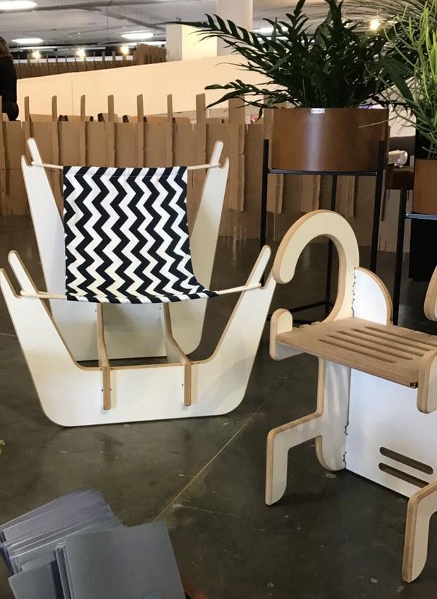 Linha infantil Curumim, da Plantar Ideias, Lao Design e Corona Design. Foi inspirada no artesanato indígena brasileiro. As peças são feitas de MDF (Foto: Casa e Jardim)
