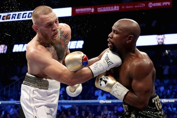 A luta entre Conor McGregor e Floyd Mayweather (Foto: Getty Images)