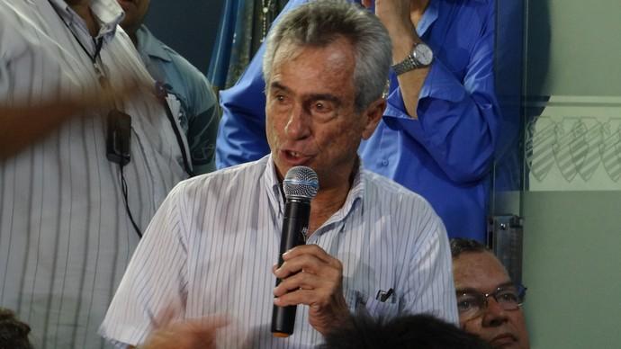Roberto Mendes, diretor de futebol do CSA (Foto: Caio Lorena / Globoesporte.com)