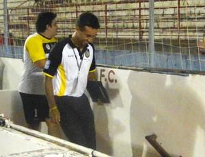 Douglas Brito, técnico do Rondonópolis na Copa São Paulo (Foto: Marcos Lavezo/Globoesporte.com)
