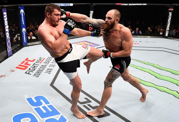 Travis Browne e Matt Mitrione, UFC Boston (Foto: Getty Images )