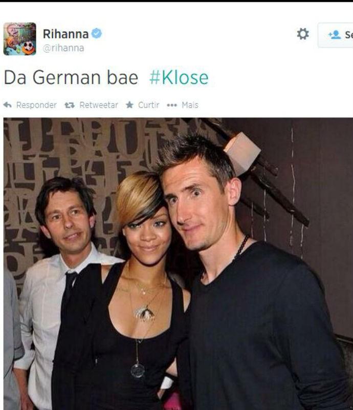Klose ao lado de Rihanna em foto postada pela cantora