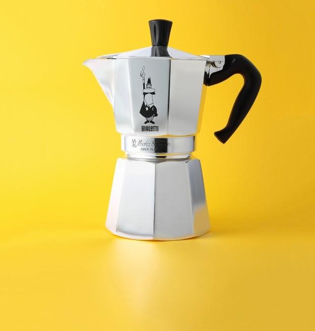 Cafeteira Moka. Agradecimento Utilplast (Foto: Eduardo Svezia / Editora Globo)