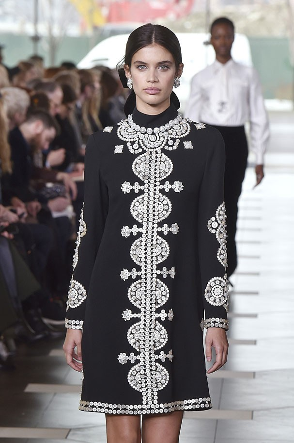 Tory Burch inverno 2017 (Foto: Catwalking/Getty Images)