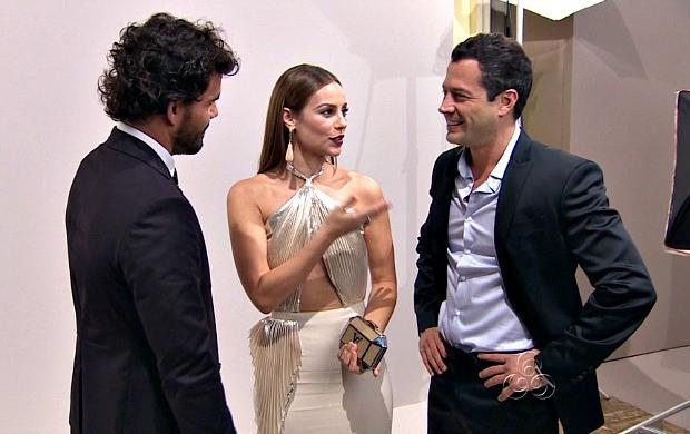 Atores conversam durante festa de lançamento da nova trama das nove (Foto: Reprodução/TV Amazonas)