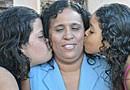 Cega encara maternidade como desafio  (Helder Rafael/G1 MS)