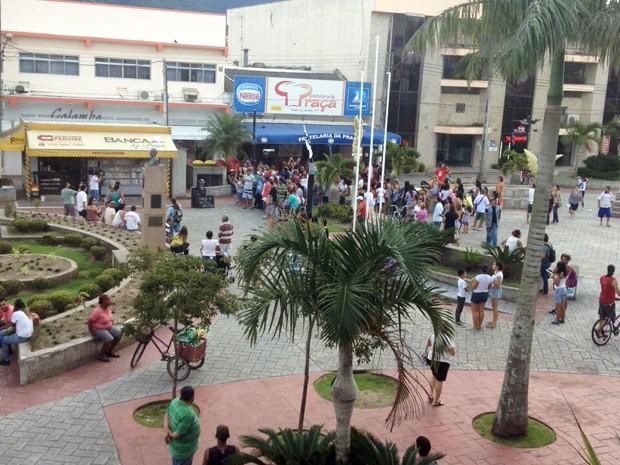 Professores da rede estadual realizam protesto em Peruíbe, SP (Foto: Dennis Morgan/Arquivo Pessoal)
