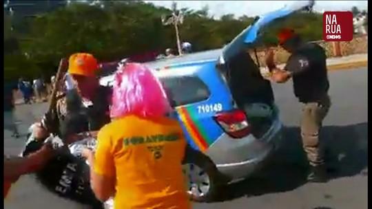 Integrantes de troça pedem retratação do governo de PE por fantasias apreendidas no carnaval