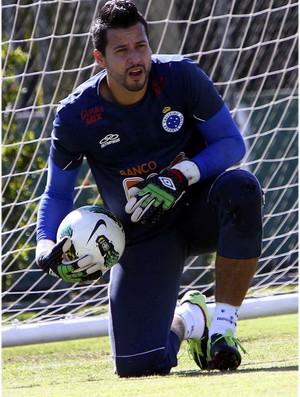 Fábio reclama da atuação do Cruzeiro (Foto: Denilton Dias / Vipcomm)