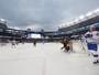 Hóquei no gelo: Canadiens vencem jogo em estádio de futebol americano