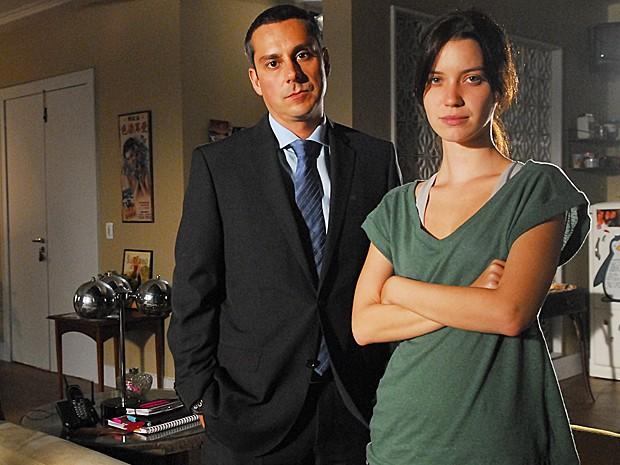 Pressionada por Gilmar, Viviane vai morar com Mariana, Luciana e Suely (Foto: João Miguel Júnior / TV Globo)