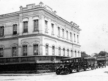 Cuiabá antiga - Palácio da Instrução (Foto: Acervo Arq. Ademar Poppi)