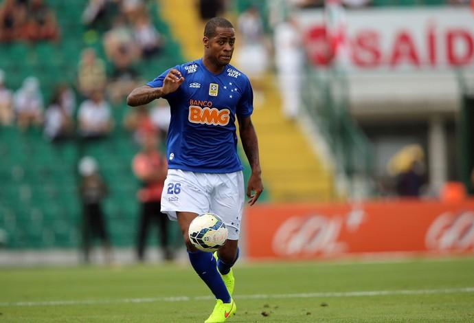 Dede Cruzeiro x Figueirense (Foto: Getty Images)