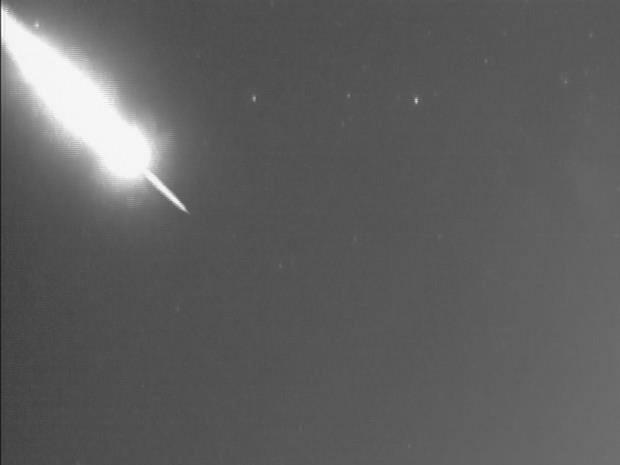 Morador registra vídeo de fenômeno no céu de São Sebastião, litoral de SP (Foto: Eduardo Santiago)